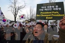 Cả 2 phe ủng hộ và phản đối Tổng thống Hàn Quốc đều biểu tình