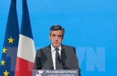 Hàng chục nghìn người đổ về Paris ủng hộ ứng cử viên F. Fillon