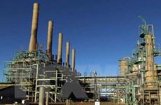 Không quân của phe Khalifa oanh kích dữ dội để chiếm cảng dầu ở Libya