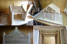 Giáo sư Nhật Bản phục dựng mô hình cổng làng cổ Đường Lâm