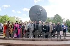 Người Việt tại Nga và Algeria tưng bừng kỷ niệm sinh nhật Bác Hồ