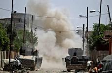 Các tay súng Hashd Shaabi quét sạch quân IS khỏi một thị trấn ở Mosul