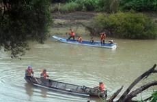 Lật thuyền trên sông Krông Nô, 1 người chết, 4 người mất tích