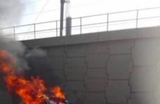 Nam Phi: Một taxi Uber bị tấn công và phóng hỏa, tài xế tử vong