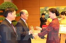 Trao Huy hiệu Đảng cho đảng viên Đảng bộ cơ quan Văn phòng Quốc hội