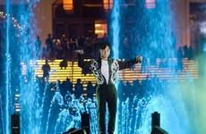 Sơn Tùng M-TP và Phương Vy biểu diễn tại Đài nhạc nước Hồ Tràm