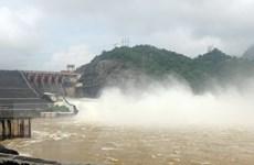 18 giờ sẽ đóng 2 cửa xả tại Thủy điện Sơn La và Hòa Bình