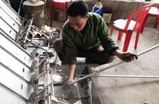 Người nông dân tự mày mò sáng chế máy vặt lạc tại Ninh Bình