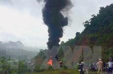 Xe bồn chở xăng dầu cháy rụi chỉ còn trơ khung, lái xe bị thương