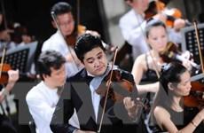 """Nghệ sỹ Bùi Công Duy biểu diễn trong """"Đêm nhạc Beethoven"""" TP.HCM"""
