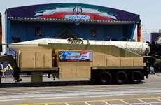 Iran ra mắt thế hệ tên lửa đạn đạo mới với tầm bắn 2.000km
