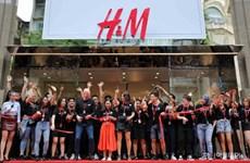 Thời trang Việt Nam: Bước chuyển từ sản xuất sang tiêu thụ