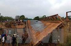Lâm Đồng: Qua cầu xuống cấp, một em nhỏ rơi xuống sông mất tích