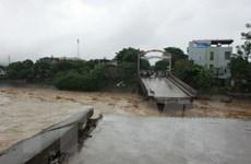 Sập cầu tại Yên Bái, một phóng viên TTXVN bị nước cuốn mất tích