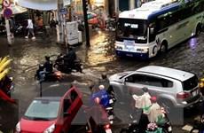 Mưa lớn kết hợp triều cường gây ngập nặng nhiều nơi tại TP.HCM
