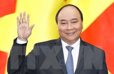 Thủ tướng Nguyễn Xuân Phúc lên đường tham dự Hội nghị Cấp cao ASEAN 31
