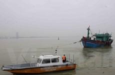 Đà Nẵng: Cứu nạn các thuyền viên trên 2 tàu cá bị sự cố trên biển