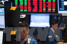 """Thị trường chứng khoán châu Âu """"ngập"""" trong sắc đỏ"""