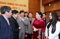 Chủ tịch Quốc hội gặp mặt lãnh đạo, phóng viên các cơ quan báo chí