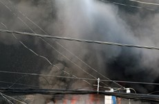 Nổ lớn kèm đám cháy thiêu rụi 10 gian hàng tại đền Mẫu Đồng Đăng