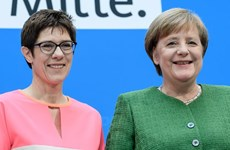 Nữ chính trị gia có biệt danh 'Mini Merkel' làm Tổng thư ký CDU