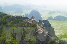 [Photo] Ngắm nhìn toàn cảnh cố đô Hoa Lư từ trên đỉnh Hang Múa