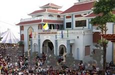 Hàng ngàn lượt khách về thăm Khu du lịch Thánh đường Tắc Sậy