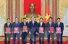 Chủ tịch nước trao Quyết định bổ nhiệm 6 đại sứ nhiệm kỳ 2018-2021