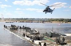 Quân đội Nga triển khai diễn tập bắn đạn thật tại Armenia