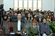 Một nguyên phó giám đốc sở ở Hà Nội ra hầu tòa vì tội tham ô