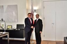 Đại sứ Lê Dũng đến bang Tyrol của Áo để xúc tiến thương mại và đầu tư