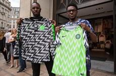 """World Cup 2018 - Lượm lặt bên lề: """"Cháy"""" áo đấu của tuyển Nigeria"""