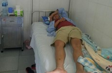 Khởi tố lái xe đánh hành khách nhập viện vì để con trớ trên xe