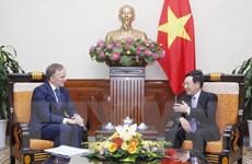 Phó Thủ tướng Phạm Bình Minh tiếp Quốc vụ khanh Bộ Ngoại giao Latvia