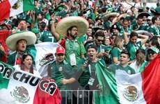 Mexico bị phạt vì cổ động viên xúc phạm thủ môn Manuel Neuer