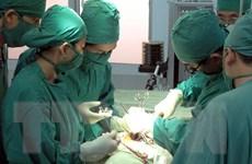 Phẫu thuật lấy khối u dạ dày khổng lồ dọa vỡ bất cứ lúc nào