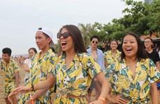 120 thanh niên, sinh viên kiều bào về thăm quê hương Bác