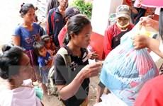 Những chuyến hàng cứu trợ Việt Nam vào vùng lũ Sanamxay