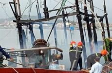 Nghệ An: Dập tắt hoàn toàn vụ cháy tàu cá, thiệt hại hơn 10 tỷ đồng