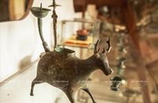 Đi dọc biên niên sử Việt Nam cùng những chiếc đèn dầu