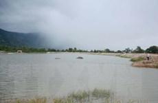 Thừa Thiên-Huế: Đi tắm biển, 2 học sinh bị sóng cuốn trôi