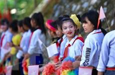 Hoc sinh vùng lũ Thanh Hóa, Nghệ An vượt khó khăn đón khai giảng