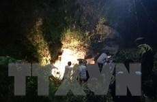 Bắc Kạn: Xe ôtô lao xuống vực sâu khiến 5 người bị thương