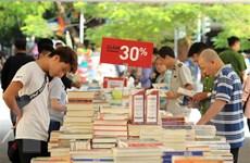 Hàng nghìn người tham gia ngày hội sách nửa giá tại Hải Phòng