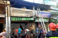 TP.HCM: Cháy lớn thiêu rụi nhiều tài sản trong hai căn nhà ở quận 4