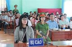 """Phạt Huỳnh Thục Vy 2 năm 9 tháng tù giam về tội """"xúc phạm Quốc kỳ"""""""
