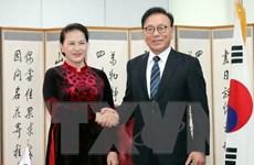 Chủ tịch Quốc hội tiếp Tổng Lãnh sự danh dự VN tại Busan-Gyeongnam
