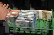 EU khẳng định giám sát chặt chẽ kế hoạch chi tiêu mới của Pháp