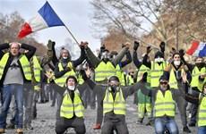 Phong trào chỉ trích giới chức Pháp lên cao chưa từng thấy