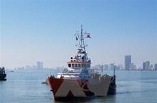 Cứu sống 10 ngư dân Bình Định bị chìm tàu ngoài khơi